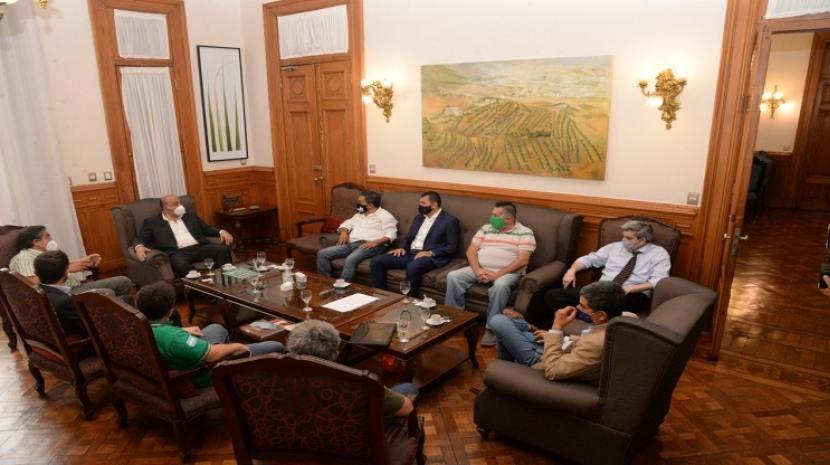 Manzur se reunió con representantes de la Asociación de Trabajadores del Estado