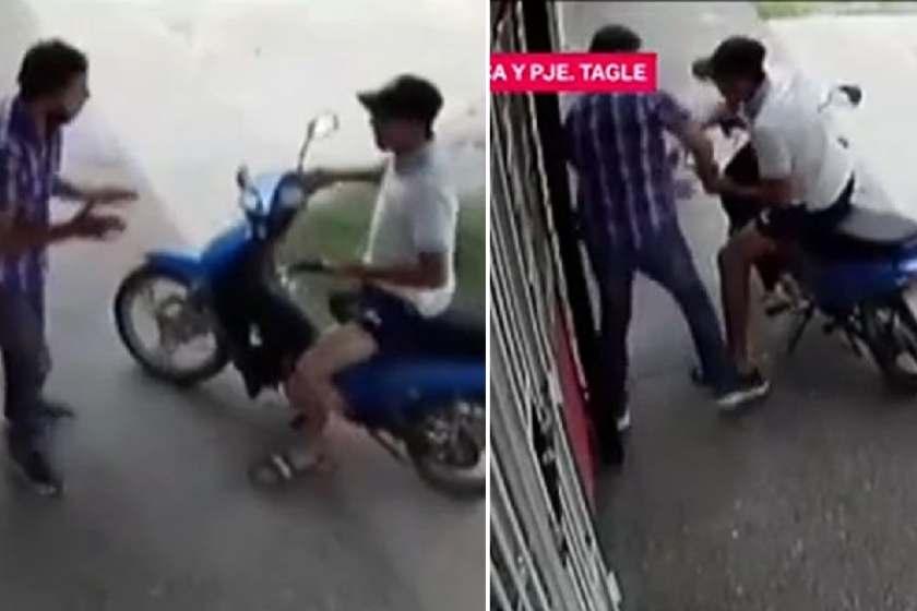 (VIDEO) Joven tucumano se enfrento con un motochorro, logró quitarle el arma y le dio una golpiza(VIDEO)