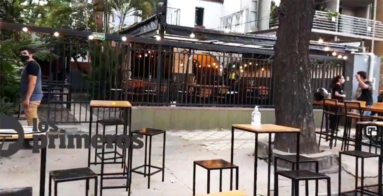 Un cadete de Pedidos Ya se enfrentó a 6 asaltantes que entraron a una cervecería y los obligó a escapar
