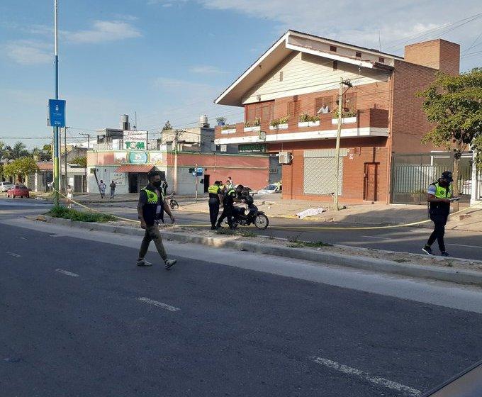 Tucumán Sangriento: un delincuente mato a una mujer en plena calle para robarle la cartera(VIDEO)