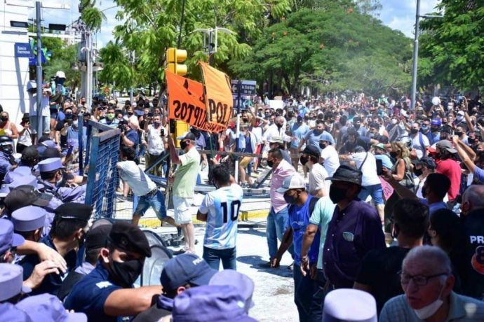 """El Ministro de Gobierno de Formosa afirmo que la protesta """"no fue pacífica"""" y ratificó el regreso a fase 1"""