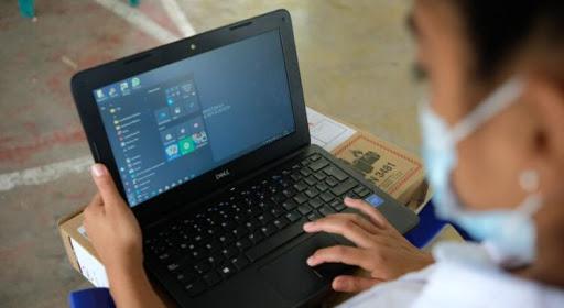 El gobierno nacional entregará 700 mil notebooks a estudiantes y docentes