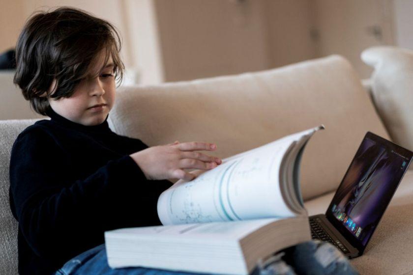 Genio: un niño de 11 años terminó la carrera de Física en nueve meses con una altísima nota promedio
