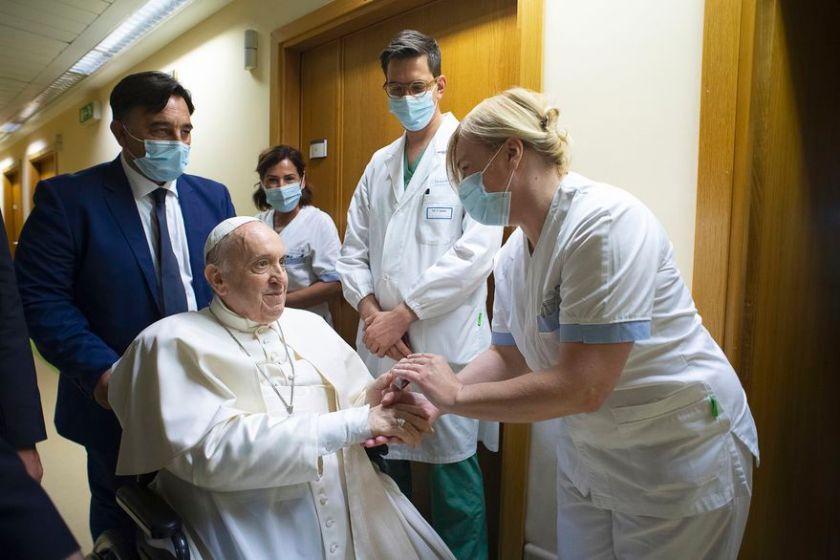 Francisco recibo el alta medica, a diez días de su operación de colon