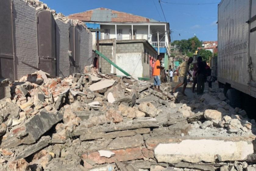 TERREMOTO DE  MAGNITUD 7,2 EN HAITI: Hay alerta de tsunami y numerosas víctimas
