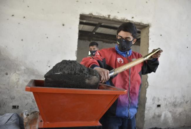 MEDIO AMBIENTE: Tafí Viejo produce más de mil ladrillos ecológicos por día para viviendas sociales