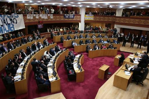 TUCUMAN: La Legislatura le otorgó la licencia especial a Juan Manzur como gobernador de Tucumán