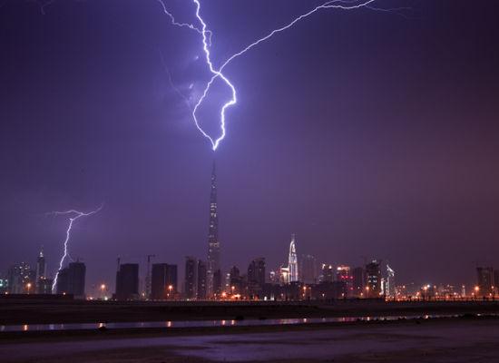 Worlds largest building struck by lightning  The Burj