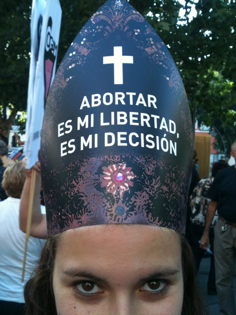 Manifestantes exigen fin de sanciones penales para el aborto bajo tres causales.