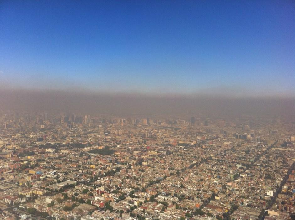 La contaminación del aire mata a unas 4 mil personas al año en Chile, la mitad de ellas en la capital.