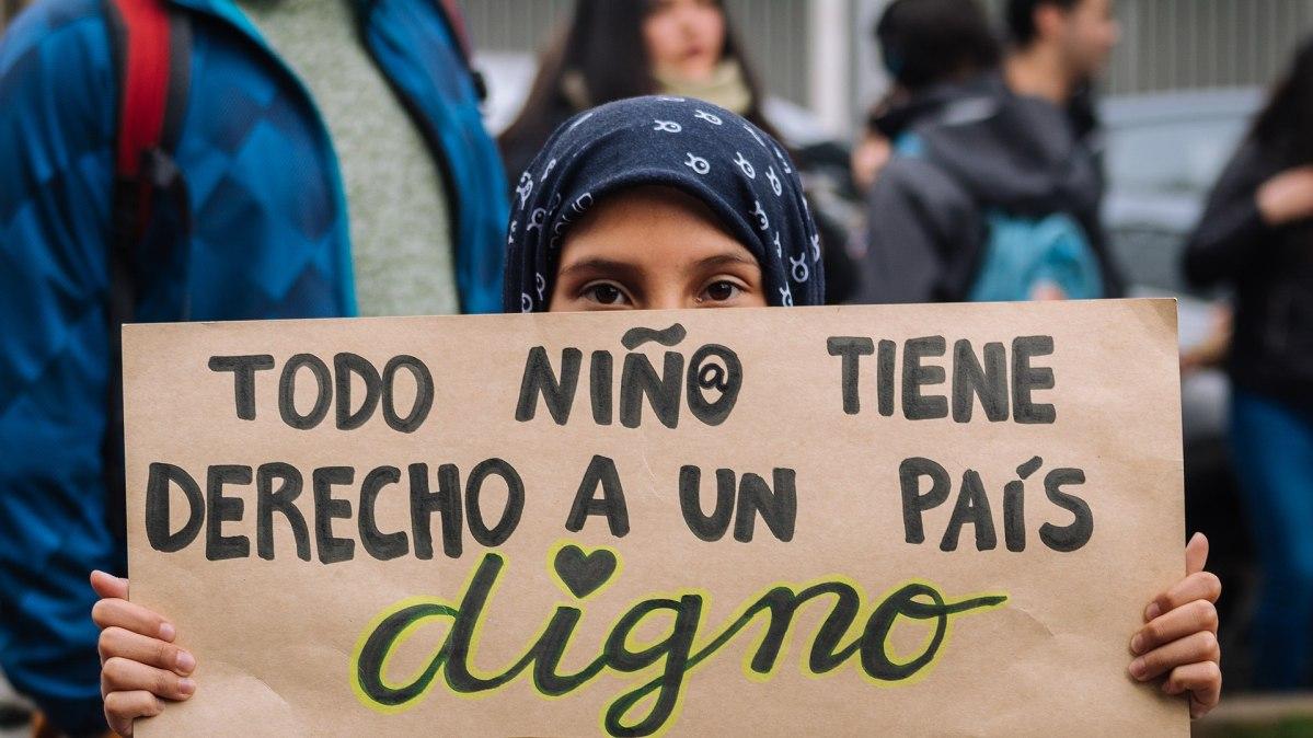 Todo niño tiene derecho a un país digno. Protestas en Chile