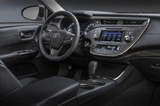 2015CAS_2016_Toyota_Avalon_006