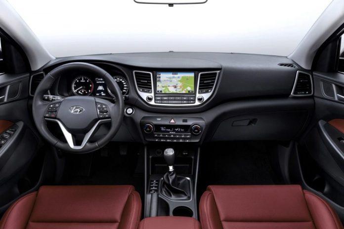2016_Hyundai_Tucson_4dr_SUV