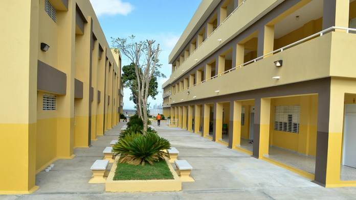 nuevoo liceoo inaugurado en MOCA
