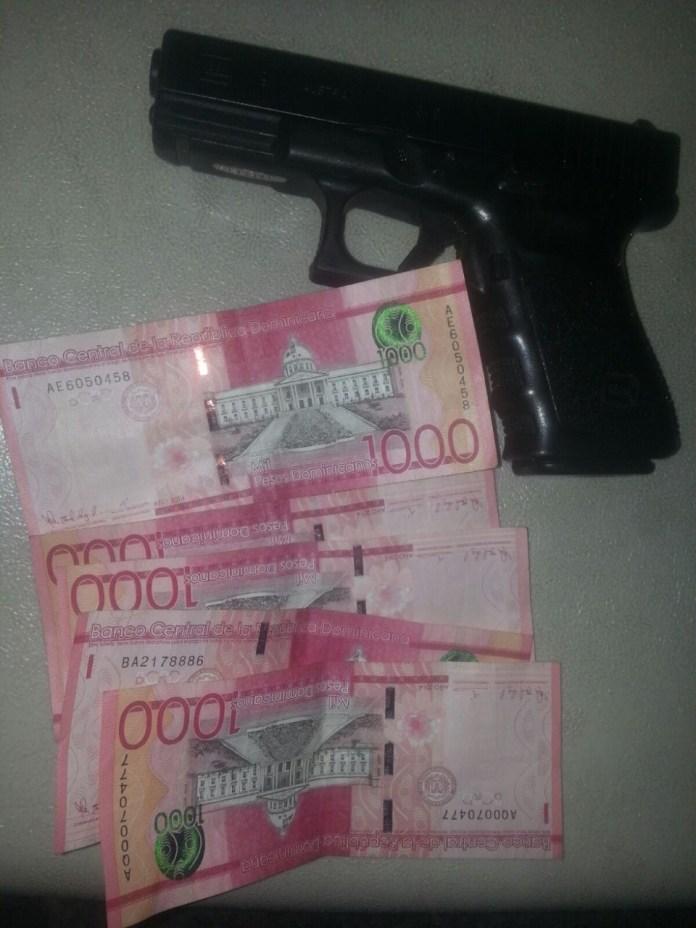 arma-y-dinero-incautado-por-mide