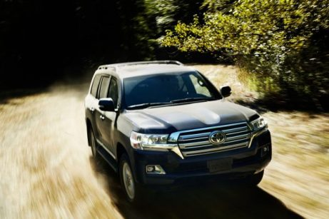 2016_Toyota_Land_Cruiser_14