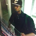 Autoridades buscan homicida empleada joyería calle El Conde