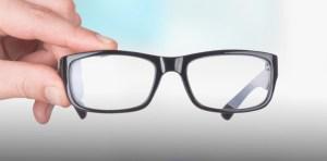 Dicen 30 por ciento dominicanos usa lentes