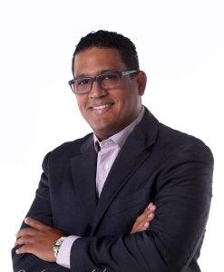 """""""Macho Macho"""" nuevo director de Fuego 90.5 FM"""