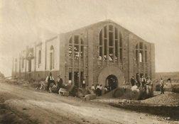 1918, La Cooperativa en construcció-1 (cedida Carme Guiu)
