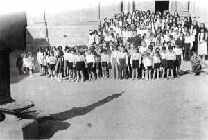 Més d'un centenar, entre nens i nenes, hi havia al poble abans de la Guerra.