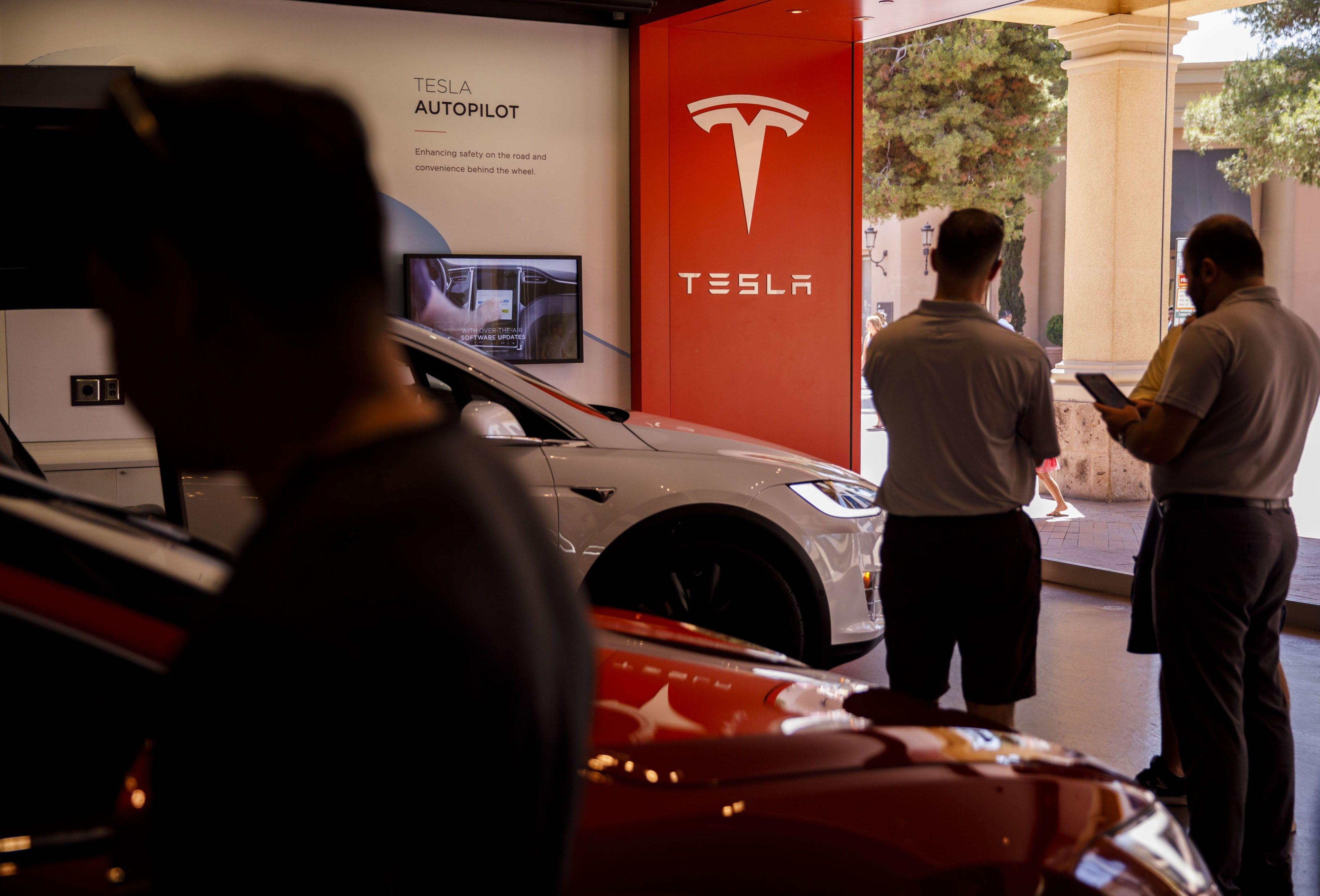 Autos Reputación Tesla - El Sol Latino