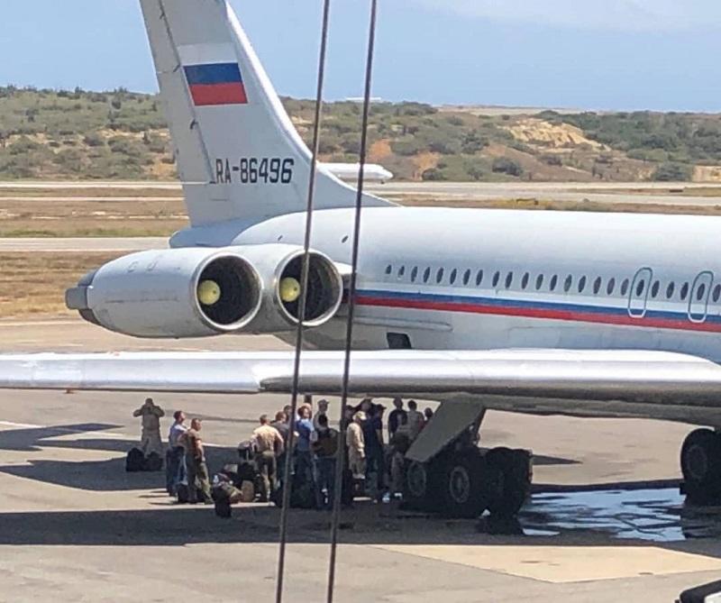 Las dos aeronaves aterrizaron la tarde del sábado en el aeropuerto internacional Simón Bolívar de Maiquetía. Foto cortesía