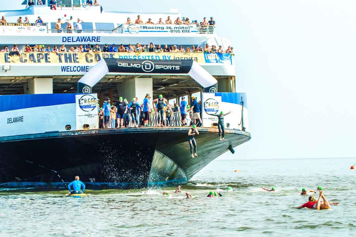 El dinero viaja en ferry - El Sol Latino