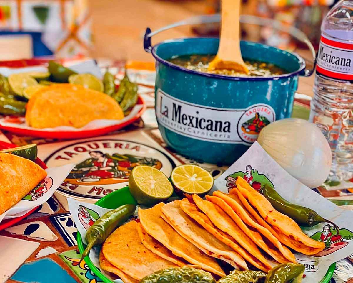 Comer tacos es celebrar - El Sol Latino