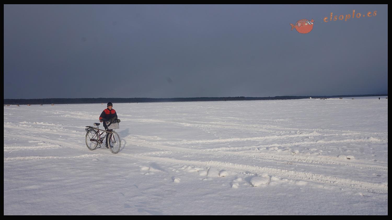 Las bicicletas son para el verano en Ust Barguzin