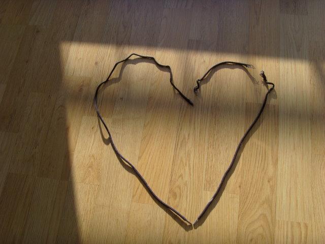Geschnürsemkeltes Herz (Foto: H.H.)