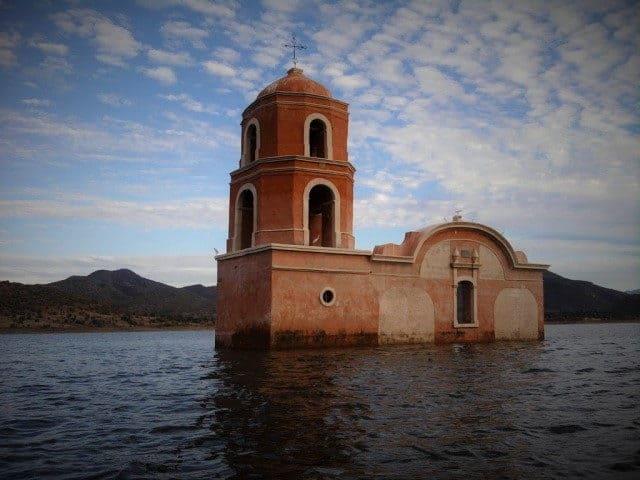 churumuco iglesia  El Souvenir