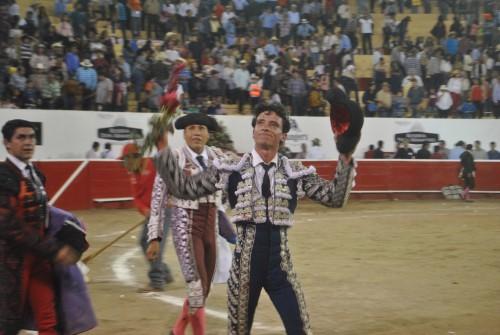 Antonio Mendoza triunfa en la primera corrida del Carnaval Autlán