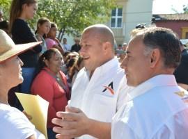 Alberto Esquer y Alfaro proponen ampliar programa Mochilas con Útiles
