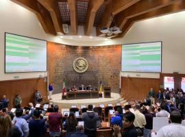 """Pese a protestas, en """"madruguete"""" Congreso de Jalisco desaparece Instituto Jalisciense de las Mujeres"""