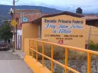 Padres de familia de escuela de Sayula denuncian inconformidades