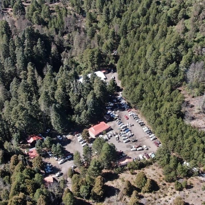 Rescatan a alpinista fracturado en el Nevado de Colima