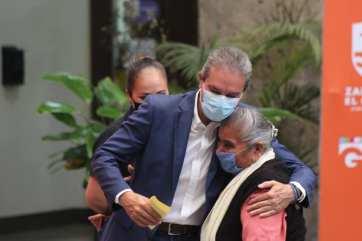 Alcalde en plena pandemia hizo acudir a adultos mayores a evento público. Foto: Diario El Volcán