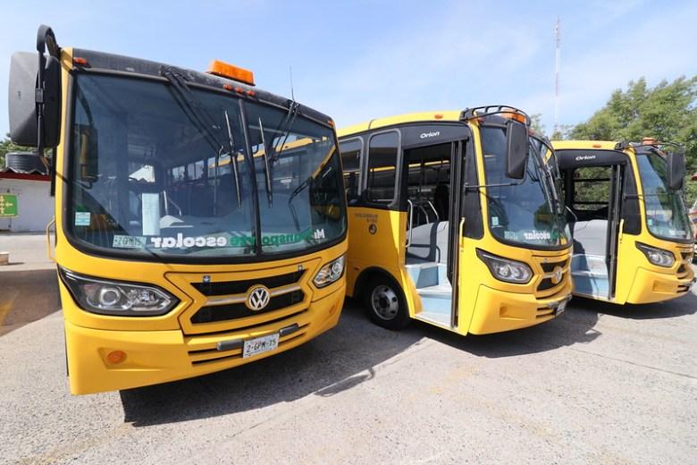 Entregan camión escolar a Instituto Tecnológico de Ciudad Guzmán