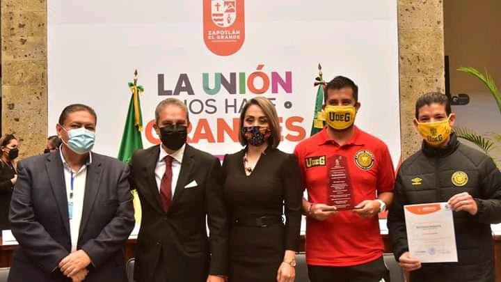 Galardonan al CID Leones Negros en Ciudad Guzmán por Merito Deportivo