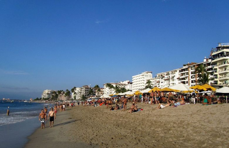 Imagen: Playa Los Muertos   Wikipedia