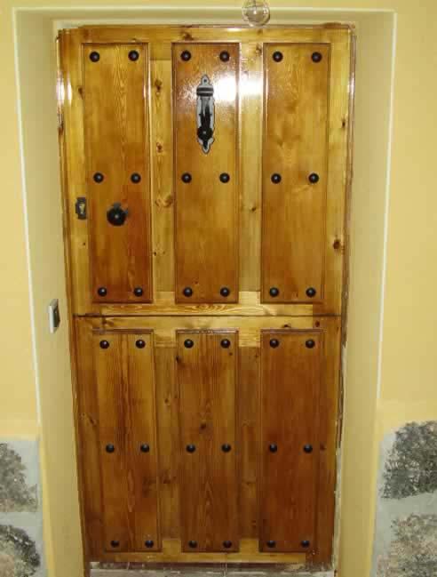 puertas en vila  puertas de madera rsticas en vila