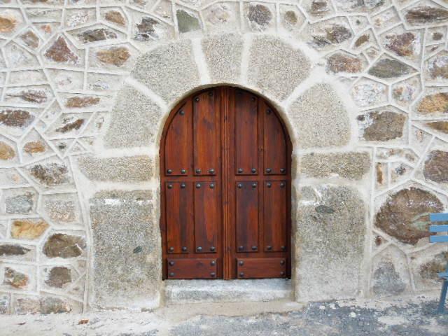 puerta de iglesia portn de Iglesia de Ojos Albos Avila