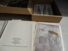 Quan tancar-se és tornar a obrir-se. Capsa amb 4 poemes de Meritxell Cucurella-Jorba i 4 gravats.