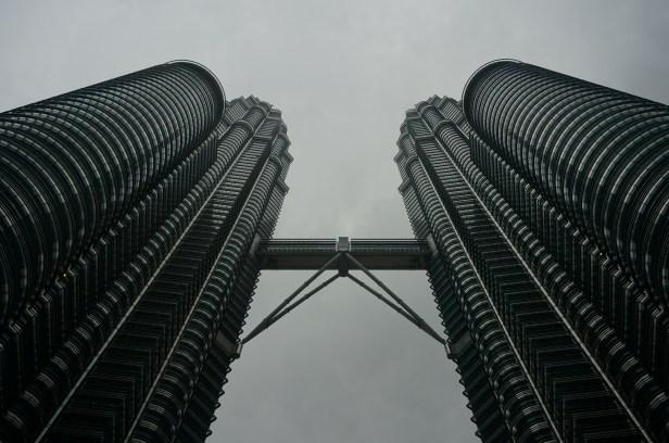 Petrona Towers im Regen