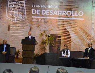 PRESENTA ALCALDE PLAN MUNICIPAL DE DESARROLLO 2016-2018