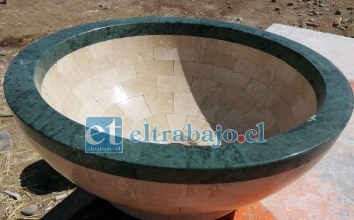 JOYAS PARA EL HOGAR.- Este lavamanos es de lujo, hecho de granito, mármol y piedra, sólo los elabora a pedido.