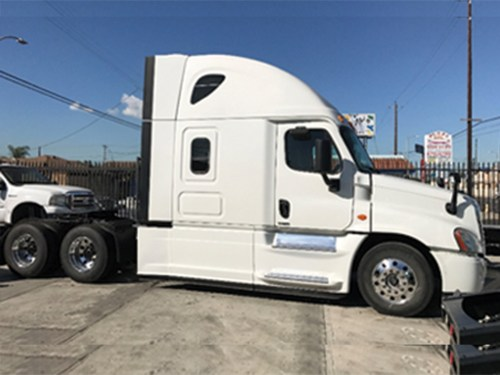 small resolution of  1 2015 freightliner cascadia