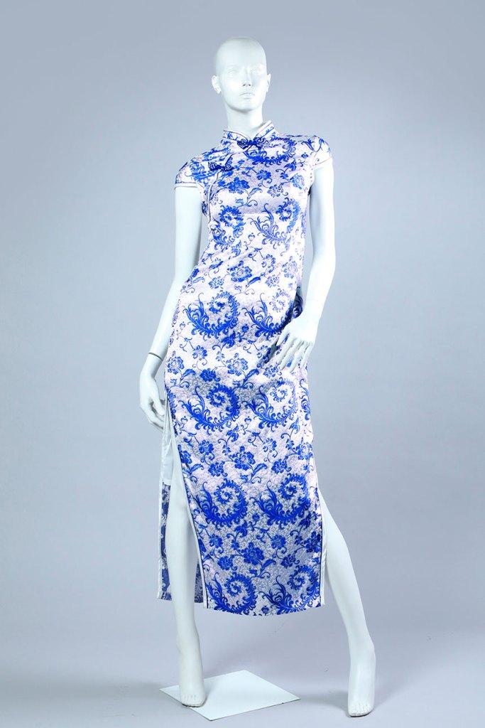 vestido recto con tajo laterales en ambas piernas de jacquard labrado a dos colores, blanco y azul, tejido plano.