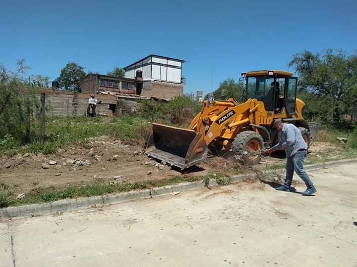 Operativo de limpieza integral en barrio Herrera El Alto